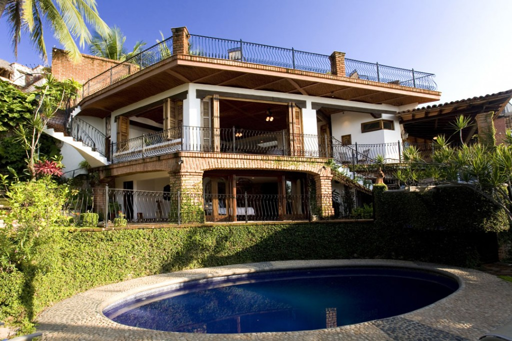 Full Casa and pool view